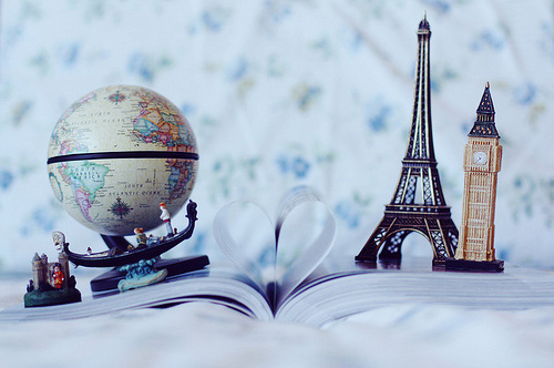 book-heart-love-paris-world-Favim.com-111861